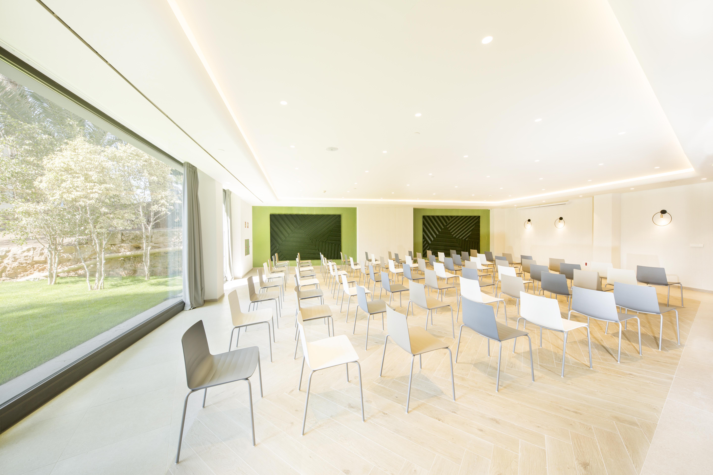 Instalaciones sala de reuniones hotel FERGUS Style TOBAGO