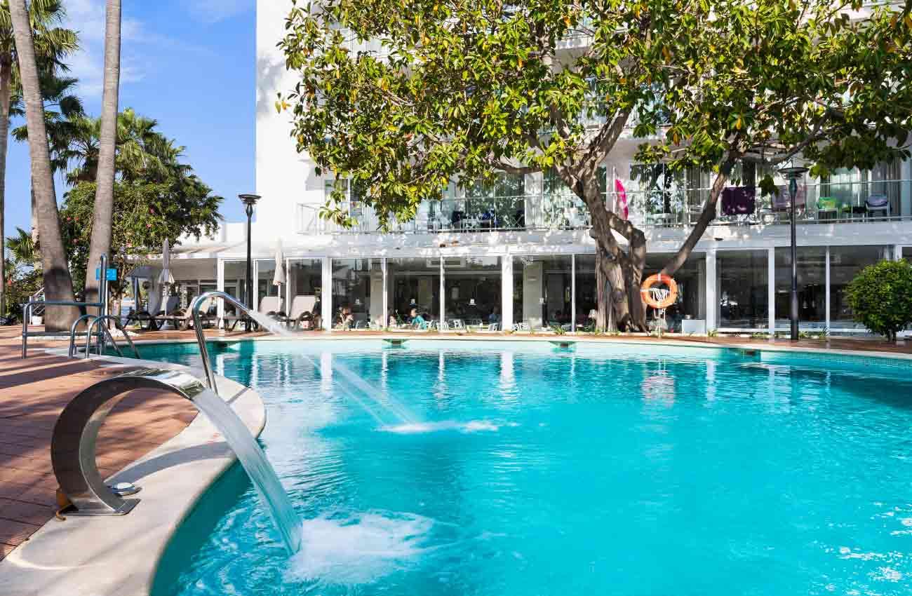 hotel roc boccaccio piscina exterior