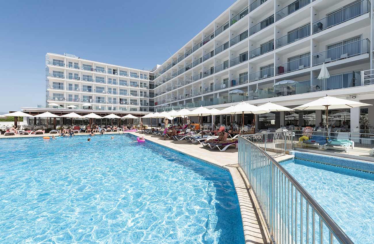 roc leo instalaciones piscina hotel